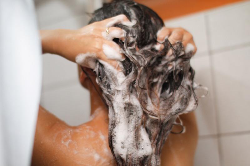 szampony bez SLS i parabenów