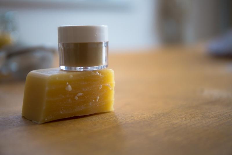 wosk pszczeli w kosmetyce naturalnej